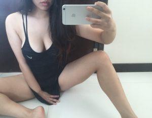 Magnifique asiatique sexy dans le 74 en photo intime