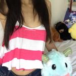 amatrice sexy asiatique dans le 79 donne selfie coquin