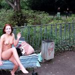 sexe2019 chaudasse nue à la chatte rasée